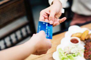 Black Friday: Não engane o seu consumidor escondendo custos extras